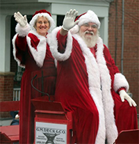 Santa Arrives by Train in Ambler @ Ambler Train Station |  |  |